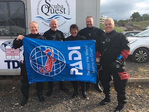 Team ScubaQuest Divers