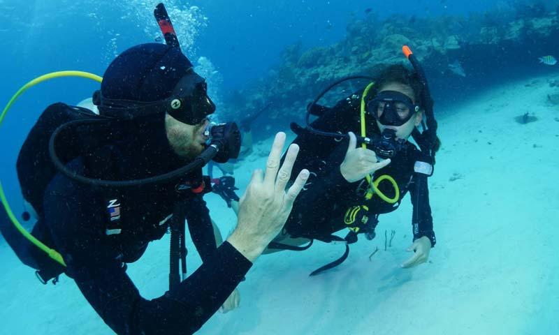Divers OK - Divemaster ScubaQuest