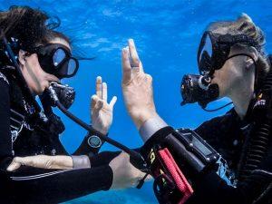 Divers OK Signal